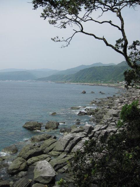 高知県室戸市行当岬/空と海と奇岩の空海修行地「不動岩・霊場」