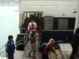 船後方出口