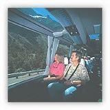 観光バス内部