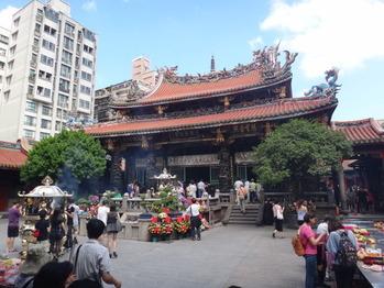 龍山寺 本殿