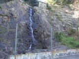 ちんけな滝