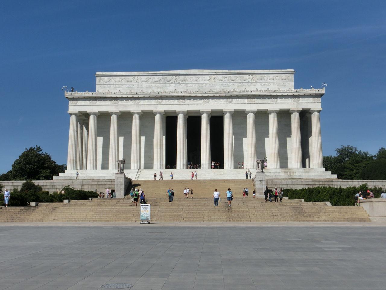 アメリカ合衆国第16代大統領エイブラハム・リンカーンを称えた建物です。 内部には巨大なリンカーン像があります。