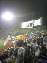 2009.9.17サヨナラ勝ちを決めた後の神戸ライトスタンド