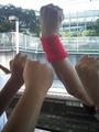 2010.9.5試合後総合運動公園駅ホームで怒りの拳をあげる