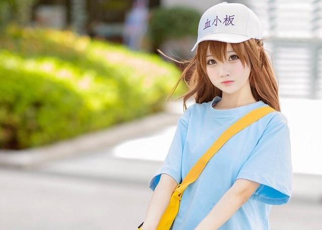 【画像】中国のコスプレイヤー・小柔SeeUチャソ、コミケ参戦