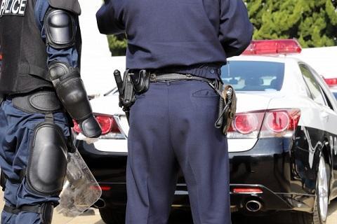 パトカー 警察官