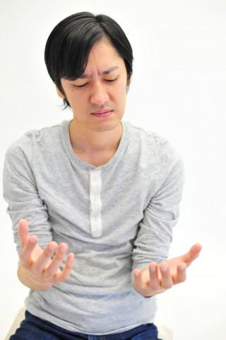 手の震え アルコール離脱症状