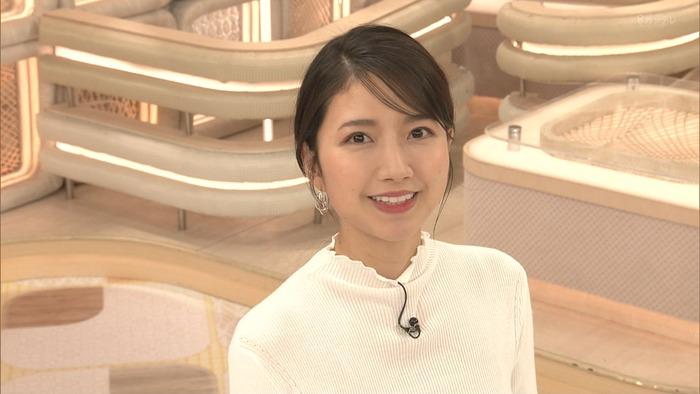 三田友梨佳アナのニットおっぱい