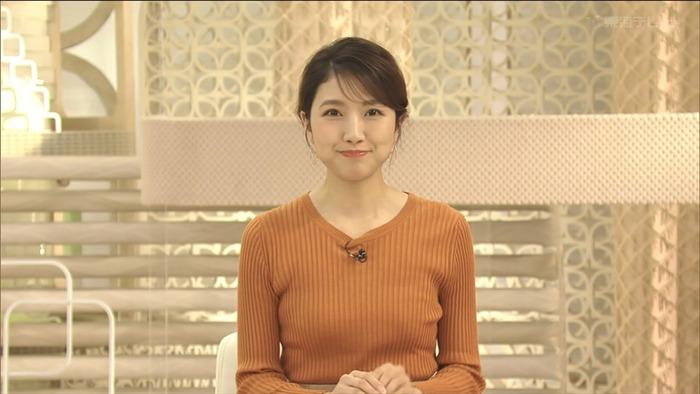 三田友梨佳アナのニットおっぱい7