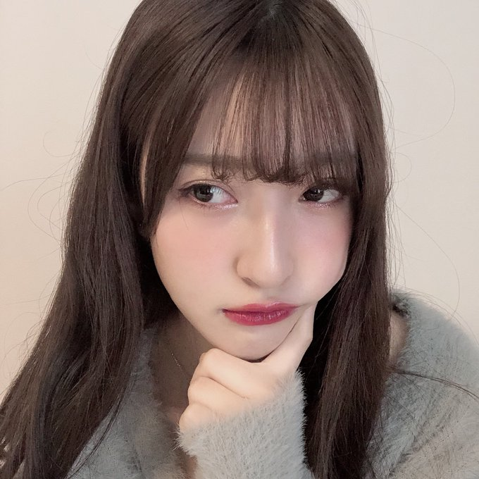 山崎亜美瑠の巨乳