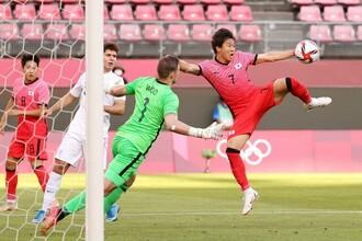 韓国人サッカー選手が握手を拒否
