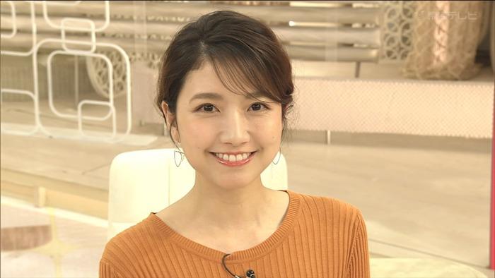 三田友梨佳アナのニットおっぱい13