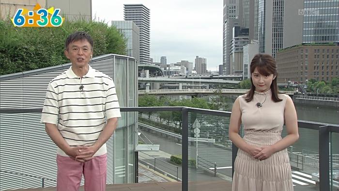 鷲尾千尋アナの乳1