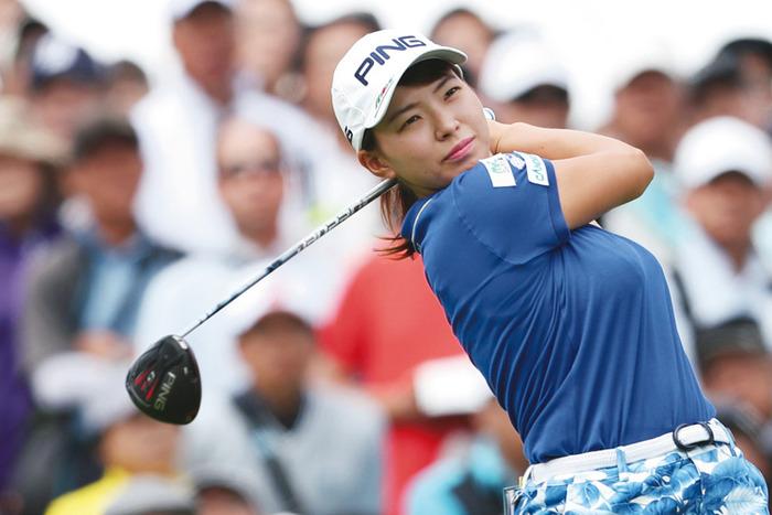 女子プロゴルファーの巨乳