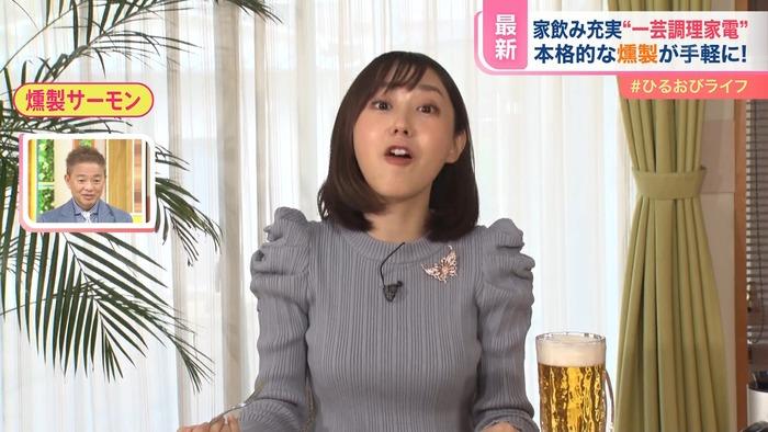 若林有子アナのニットおっぱい3