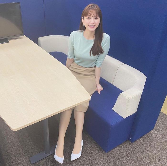 角谷暁子アナの女子小学生のコスプレ