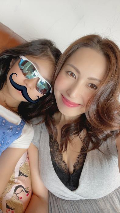 佐田茉莉子と娘