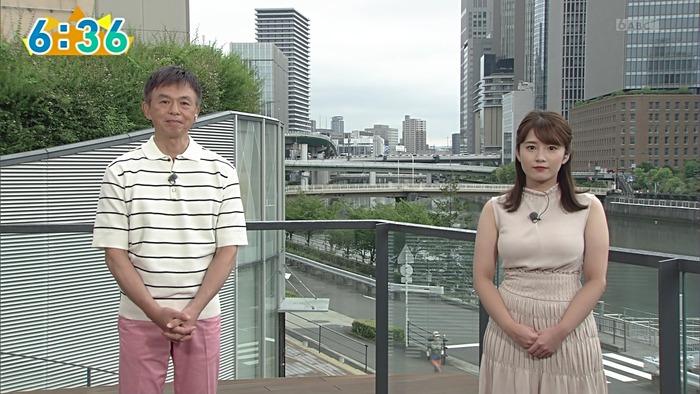 鷲尾千尋アナの乳3