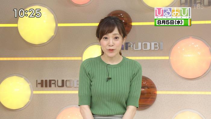 江藤愛アナウンサーのおっぱい