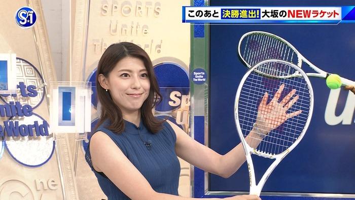 上村彩子アナのノースリおっぱい