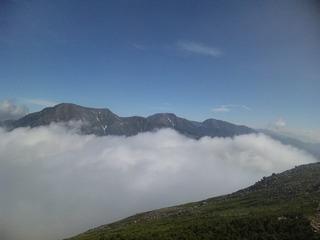 右より荒川岳、赤石岳、聖岳(27日)