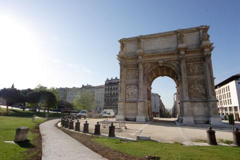 南仏マルセーユの凱旋門