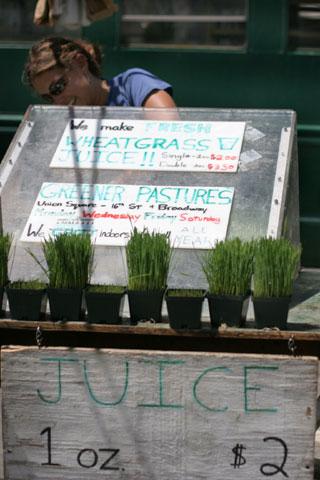 グリーンマーケットのウィートグラス・ジュース・スタンド