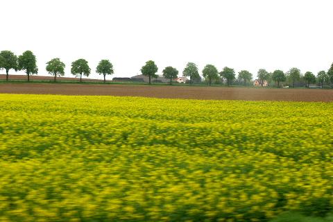 車窓フランスの田舎