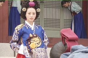 【韓国】老女を暴行、警官ひき逃げも…非常識ナッツ姫の弟の極悪非道。まるで両班と 白丁