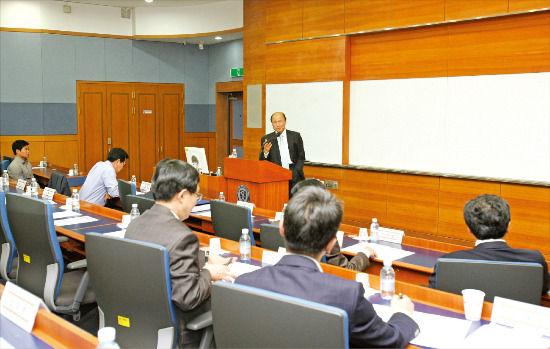 http://livedoor.blogimg.jp/abechan_matome/imgs/f/e/fe74f4d7.jpg