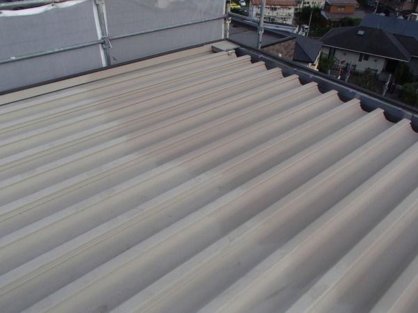 水洗い後 折板屋根塗装