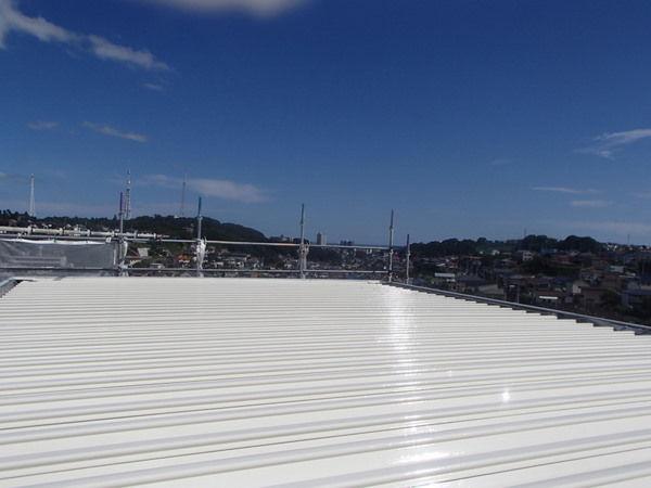 折板屋根 塗装完了