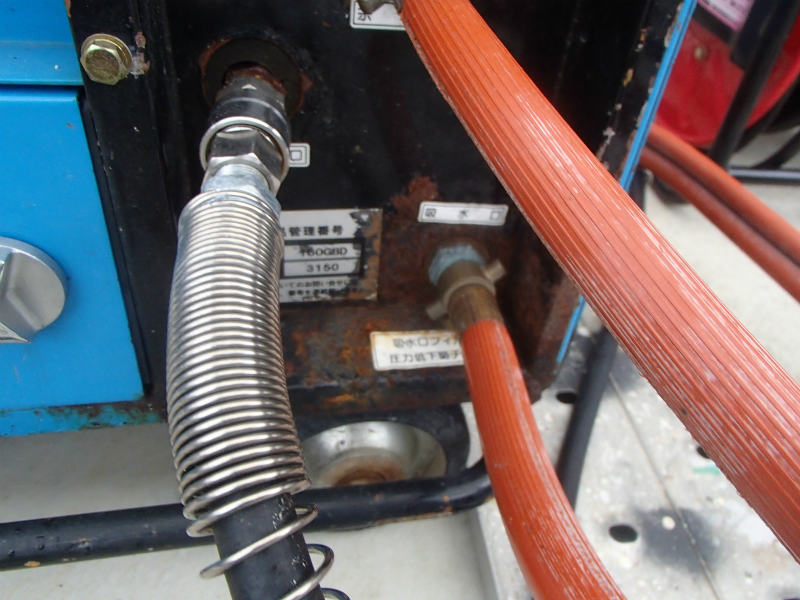防音型高圧洗浄機 津波で錆びてきた・・・