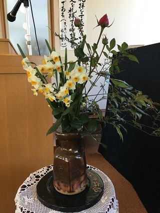 礼拝堂の花