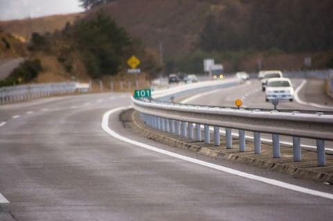 【悲報】高速降りる時に間違って5速から2速にシフトダウンしてしまった結果・・・・・