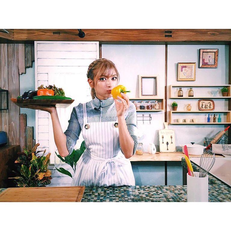 ローラ、「めざましテレビ」で料理コーナー担当決定!裏の『MOCO'Sキッチン』はライバルwwwww