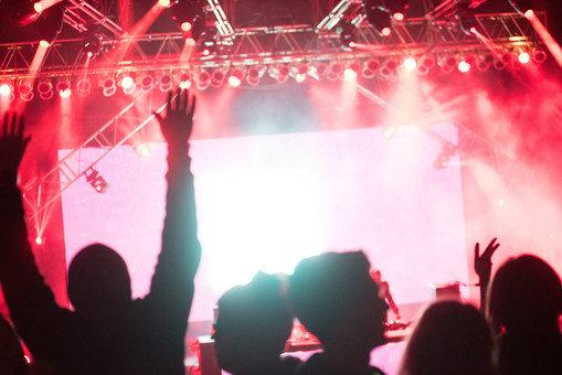 大阪、ライブで絶叫していた3人が感染、ノーマスクでフィニッシュです。