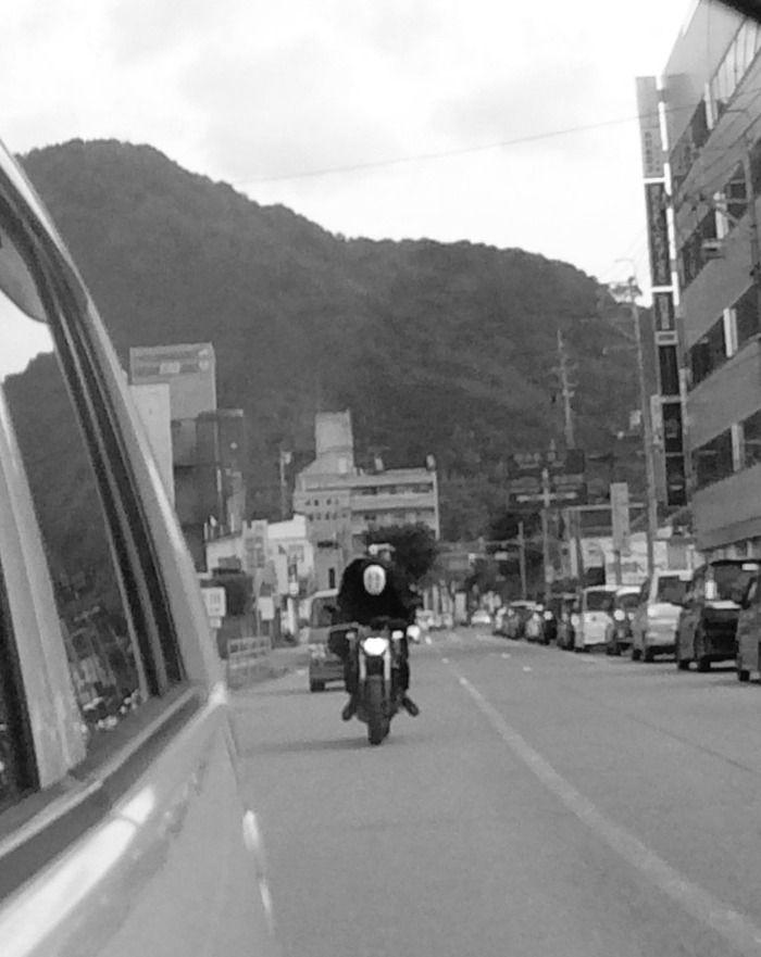 【案件】バイクに乗ったカオナシが迫ってくる