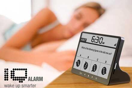 アラーム「おにいちゃん起きてぇ!朝だよぉ!もおお!」講義中ワイ「」