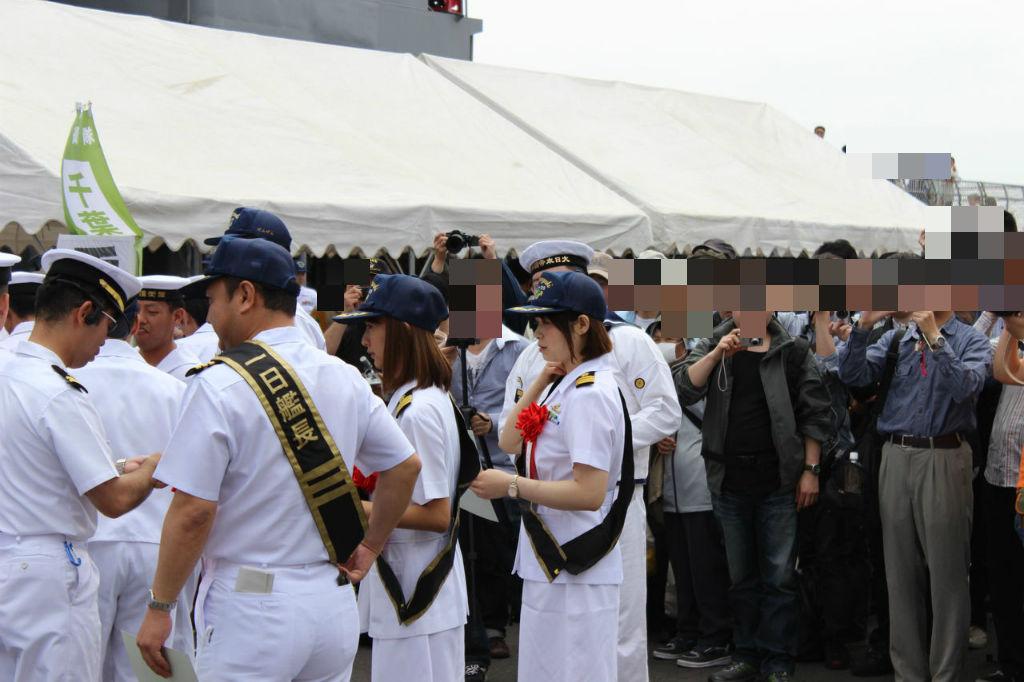 BlogPaint キャスターを務める澤田南さん任命式の様子出港準備に入るやまゆき出港の様子 や