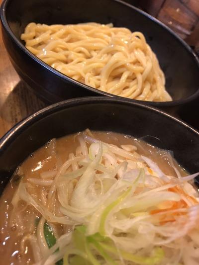 花田辛味噌つけ麺