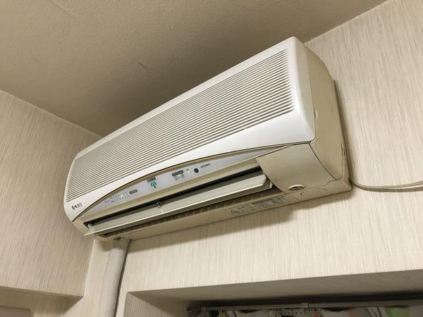 旧エアコン