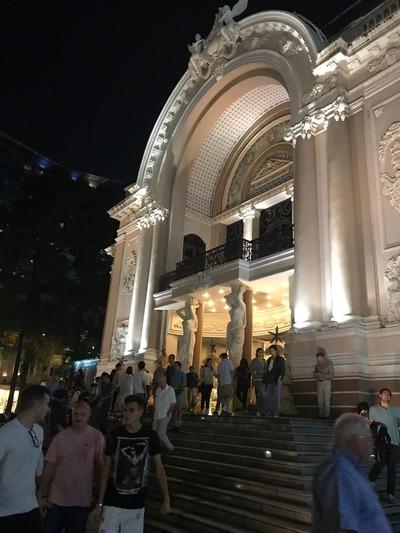 オペラハウス外
