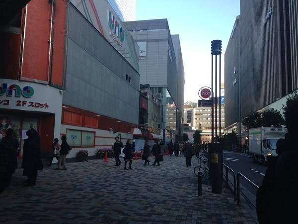 0106有楽町駅前