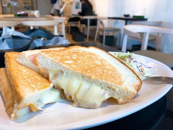 俺のベーカリーハムチーズ