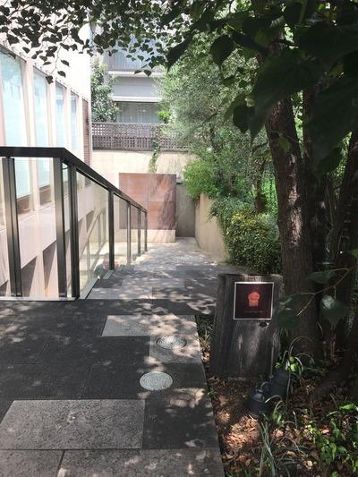 ダンディゾン外階段