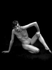 xnews-milla jovovich - nude 09