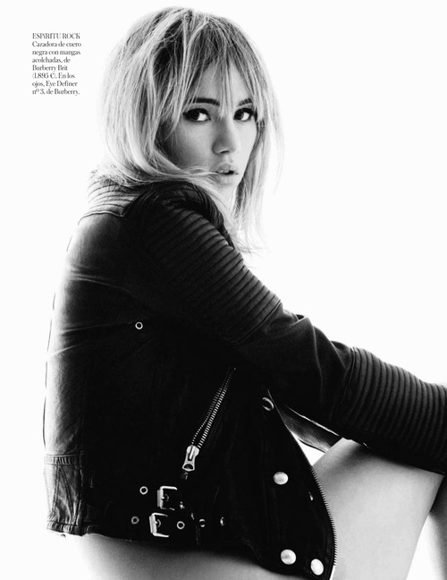 Suki Waterhouse Topless - Vogue Espana (7)