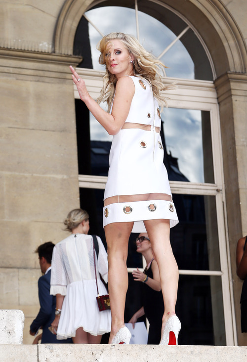 Nicky Hilton Upskirt Paris Fashion Week (2)