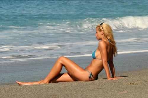Michelle Hunziker Bikini Best shoot